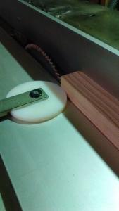 木材を必要サイズに加工